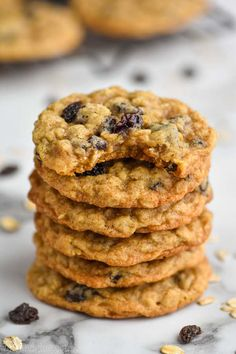 These Oatmeal Raisin Cookies are perfectly crisp on the outside and soft and chewy on the inside, exactly the way you would want them to be. Oatmeal Cookie Recipes, Oatmeal Raisin Cookies, Best Baking Sheets, German Chocolate Cake Cookies, Chocolate Chips, Cranberry Orange Cookies, Meat Sauce Recipes, Yummy Recipes, Yummy Food