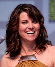 Lucy Lawless jouera l'Agent Isabel Hartley. #AgentsofSHIELD #MarvelSDCC pic.twitter.com/PJ0zwvtf3g
