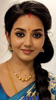 Beautiful Girl In India, Beautiful Women Over 40, Beautiful Women Pictures, Most Beautiful Indian Actress, Beautiful Asian Girls, Beautiful Roses, Amazing Women, Cute Beauty, Beauty Full Girl