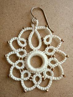 Spanish Dancer Earrings original tatting pattern di Krystledawne