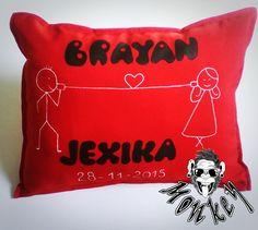 pide tu cojín #personalizados #pintadoamano #Love Toss Pillows