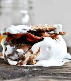 Bourbon Marshmallows-- ummm what!!? that looks insanely delicious