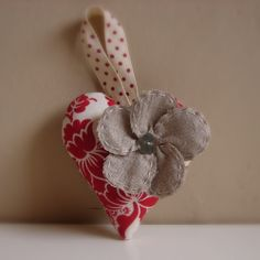 Roxy Creations: Christmas decorations - floral hearts