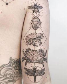 Crab Tattoo, Bug Tattoo, Frog Tattoos, Cute Tattoos, Beautiful Tattoos, Body Art Tattoos, Tatoos, Funky Tattoos, Piercing Tattoo