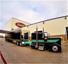Millions of Semi Trucks: Photo Big Rig Trucks, Dump Trucks, Cool Trucks, Peterbilt 389, Peterbilt Trucks, Trailers, Diesel Pickup Trucks, Panel Truck, Heavy Truck