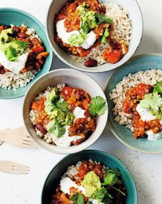 Chili Sin Carne, Good Food, Yummy Food, Delicious Magazine, Cobb Salad, Curry, Healthy Recipes, Healthy Food, Veggies