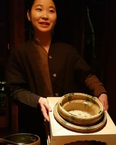 Lovely Mei serving the rice course of our kaiseki dinner at Hoshinoya Karuizawa's Kasuke restaurant #KaveyEatsJapan #karuizawa #japan #japaneseculture #japanese #travelling #traveling #travel #traveller #sightseeing #tourist #tourism #kaiseki #dining #dinner #traditional #japanfood #japanesefood #foodshare #foodstagram #instafood #foodie #f52grams #foodfeed #foodiegram #foodblogger #foodblog #foodbloguk #kvvideo #rice by kaveyf