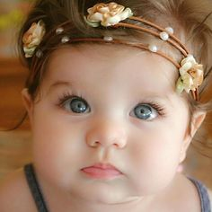 Omg so cute & - baby Cute Little Baby, Baby Kind, Pretty Baby, Cute Baby Girl, Baby Love, Baby Baby, Baby Girls, Cute Baby Boy Images, Cute Kids Pics
