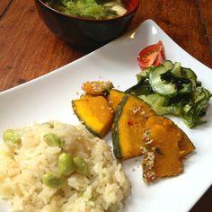 Spinach tofu miso soup, kabocha kinpira, edamame rice, wakame cucumber sumono. Vegan Japanese food :)