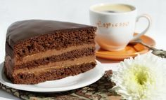 The perfect recipe for the classic Prague cake: base for cake and delicious cream. How to cook tasty Prague cake? Köstliche Desserts, Delicious Desserts, Yummy Food, Multi Cooker Recipes, Cake Ingredients, Cake Toppings, Chocolate Sponge Cake, Cake Recipes, Cake Decorating