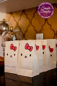 DIY white paper lunch bags to create Hello Kitty goodie bags. Get more inspiration for an adorable Hello Kitty themed party from Kitty Party, Hello Kitty Birthday, Girl Birthday, Decoracion Hello Kitty, Anniversaire Hello Kitty, Hello Kitty Themes, Party Decoration, Party Bags, Party Favors