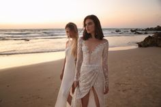 GALA gowns from Galia Lahav are known for sweet-and-sexy cuts, soft fabrics and the undeniable fashion-forward look. See dresses from our made-to-order bridal line. High Street Wedding Dresses, New Wedding Dresses, Cheap Wedding Dress, Bridal Dresses, Bridal Looks, Bridal Style, Gala Gowns, Most Beautiful Wedding Dresses, Royal Brides