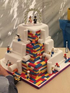 LEGO wedding cake. Bet Thing One would LOOOOVE something like this for his b'day! (Wedding Cake)