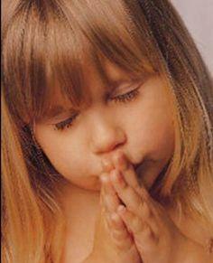 10 Heartwarming Pictures of Children Praying