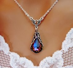 Gorgeous necklace -love the deep red color