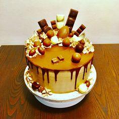Drop cake Drop Cake, Birthday Cake, Cakes, Desserts, Food, Tailgate Desserts, Deserts, Cake Makers, Birthday Cakes