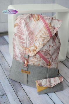 My first homemade backpack - DIY Nähen - Easy Sewing Sewing Hacks, Sewing Tutorials, Sewing Tips, Homemade Backpack, Diy Backpack, Backpack Hacks, Diy Accessoires, Leftover Fabric, Love Sewing