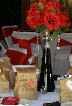Red and white # trumpet vase # vase # roses # red #white