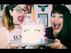 Tutorial e passo a passo Como Fazer Bolo de Unicórnio no YouTube. Tem buttercream, rainbow cake (massa colorida), suspiros em candy colors e as meninas do Indiretas do Bem. Vem ver!!