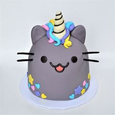 pusheen unicorn cake