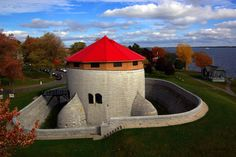 Been to the Martello Tower in NB. Something to do in Kingston, Ontario. Best Places To Live, Wonderful Places, Beautiful Places, Queen's University, Kingston Ontario, Beautiful Architecture, The Good Place, Around The Worlds, Vacation