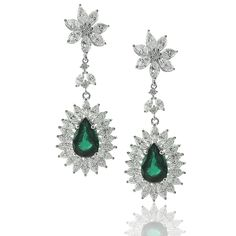 White Gold Earring With Pear Cut Emerald With Marquise And Brilliant Cut Diamonds