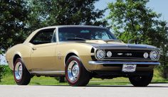 classic car: Mecum offers 1,100 classic cars at Dallas auction ...