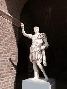 römischer gang in xanten von rainer grün | architektur- rom, Innenarchitektur ideen