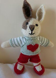 Knitted Dolls, Crochet Toys, Knitting Patterns Free, Free Pattern, Little Cotton Rabbits, Sock Animals, Diy Toys, Stuffed Toys Patterns, Cute Kids