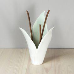 White porcelain flower incense burner fern lemon di VanillaKiln, £40.00