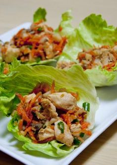 Love these healthy Skinny Mom, Skinny Asian Chicken Wraps! Re-pin so you have healthy yet delicious food to make you lose weight fast and effectively!