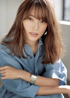 Japan Model, Portraits, Beautiful Asian Women, White Shirts, Asian Woman, Hair Cuts, Character Inspiration, Hairstyle, Poses