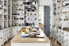 Things We Love: An Organized Kitchen!