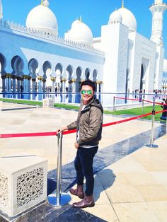 Grand Mosque Abu Dhabi Grand Mosque, Abu Dhabi, Louvre, Book, Building, Travel, Viajes, Buildings, Destinations