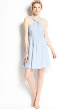 The elegant halter light blue chiffon short bridesmaid dress with the fine gradient and keyhole bodice and the natural and flowing ruches skirt