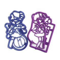 Celebrate your love for classic shoujo magical girl anime with cookies of Sailor Uranus and Sailor Pluto! There are lots of other Sailor Moon cookie cutters in the store. Sailor Moon Merchandise, Anime Merchandise, Sailor Moon Cafe, Moon Cookies, Anime Land, Cartoons Love, Princess Serenity, Sailor Uranus, Moon Art