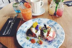 Found: The best places to have breakfast in London.