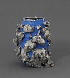 Blue-slipped Platinum Kairagi Shino bowl