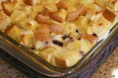 Easy and delicious recipe for Overnight Blueberry French Toast- the perfect breakfast casserole recipe for a holiday breakfast or family gathering. What's For Breakfast, Perfect Breakfast, Breakfast Dishes, Breakfast Recipes, Brunch Dishes, Christmas Breakfast, Brunch Recipes, Yummy Recipes, Recipies
