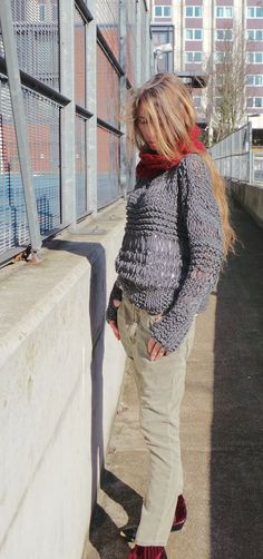 Gray sweater / Chunky oversized grunge sweater por ileaiye en Etsy