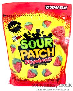 NEW Sour Patch Kids Strawberries - Walmart Candy Birthday Cakes, American Chocolate, Chocolate Snacks, Chewy Candy, Sour Patch Kids, Mini Donuts, Bulk Candy, Favorite Candy, Candy Buffet