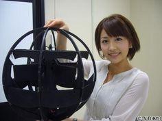 球形飛行体(7号機)。日本に本部を構えるTRDI(技術研究本部)によって発表された球形をした飛行体の一つ。安定したホバリングや垂直離着陸などに対応するとのこと。必要なパーツは東京の秋葉原などで購入された。