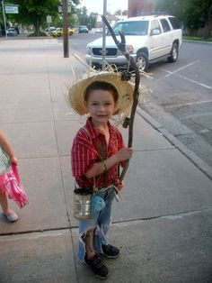 Halloween Party Costumes, Halloween Ideas, Costume Ideas, World Book Day Costumes, Book Week Costume, Character Dress Up, Character Costumes, Huckleberry Finn, Theme Days