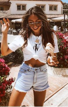 bad425dade8 simple outfit idea   white crop tee and denim shorts