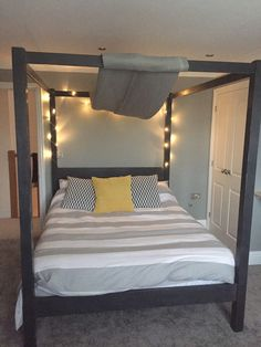 How to Make a Canopy Bed Without Drilling Into the Ceiling ...