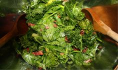 This classic Southern wilted lettuce salad with warm bacon dressing is perfect, the dressing slightly wilting the greens and leaving lots of flavor. Salad Bar, Soup And Salad, Salad Dressing Recipes, Salad Recipes, Warm Bacon Dressing, Southern Salad, Bacon Salad, Saveur