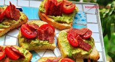 Bonnie Banters: Bacon-Avocado-Tomato Crostinis