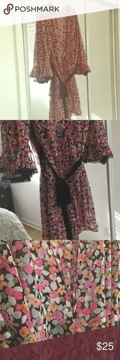 Oscar de la Renta - Pink Label Robe Beautiful vintage inspired sheer robe. Gorgeous lace detail on the sleeves and black tie closure. These usually sell for $60-$80 dollars at Macy's and Bloomingdales. Oscar de la Renta Intimates & Sleepwear Robes