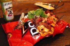 """""""Struggle"""" Nacho à la bavette de bœuf, maïs grillé, salsa con queso et Pico de gallo à la Firebarns Tequila lime. Nachos, Tequila, Salsa, Queso, Food, Pico De Gallo, Salsa Music, Meals, Tortilla Chips"""