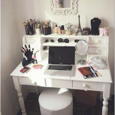 My very own make up desk... Alita